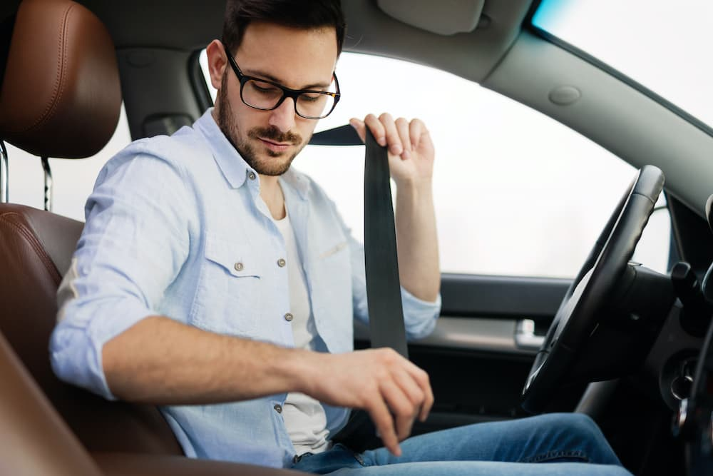 cinture di sicurezza multa passeggero