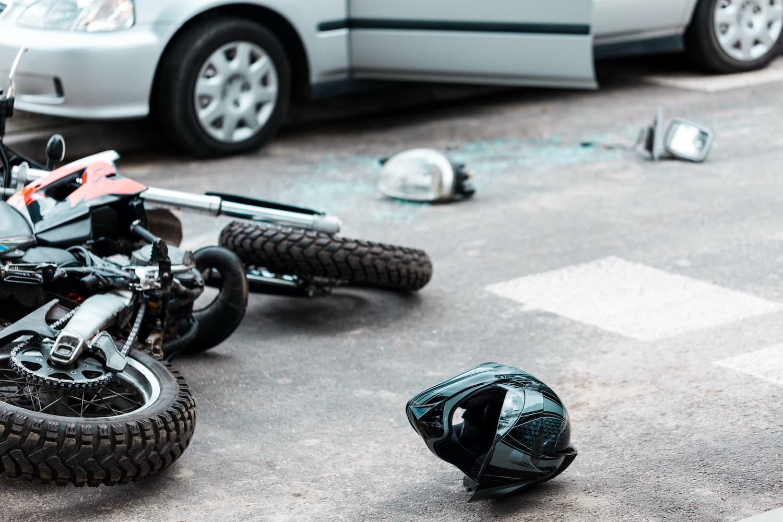 Incidente stradale per macchia d'olio